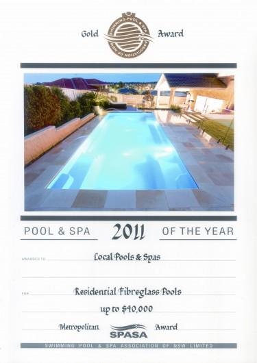 2011-gold-award-res-fibreglass-pools-up-to 40k-metro-award