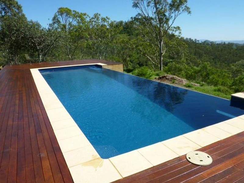 Maxi rib technology local pools and spas for Local pool contractors