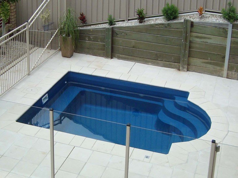 Local Pools and Spas Sydney Fibreglass Pool Builder NSW Compass Pools Courtyard 3