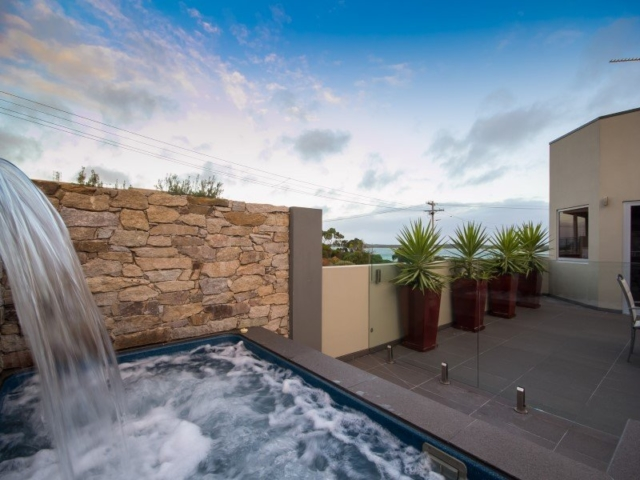 Local Pools and Spas Sydney Fibreglass Pool Builder NSW Compass Pools Plunge 2