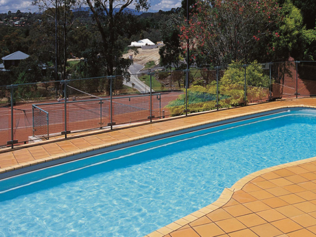 Local Pools and Spas Sydney Fibreglass Pool Builder NSW Compass Pools Riviera 1