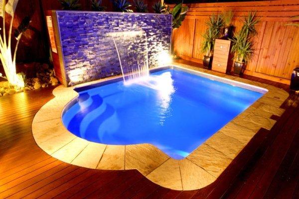Pools & Spas - Courtyard