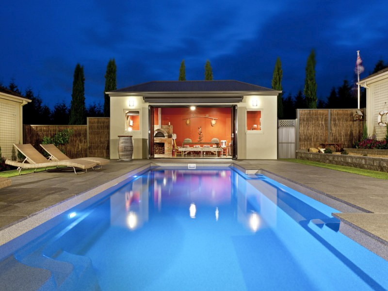 Beautiful contemporary swimming pool design the vogue for Pool show 2015 sydney