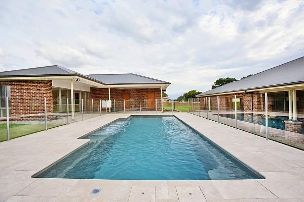 Pools & Spas - Vogue