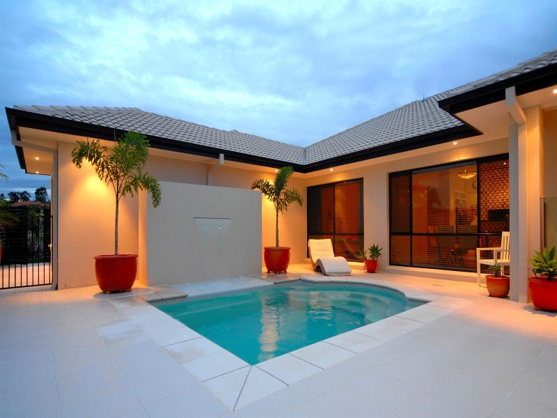Courtyard swimming pools ideal for townhouses small areas for Local pool contractors
