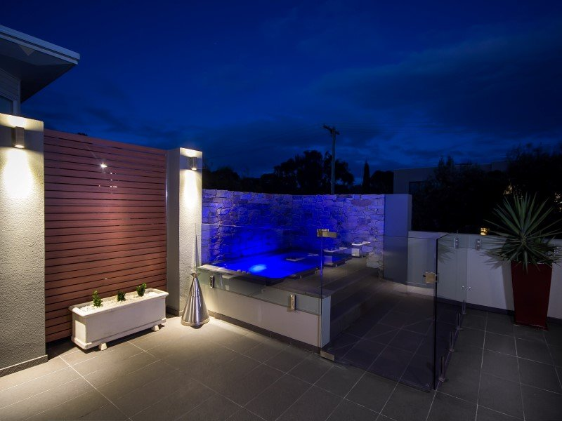 Local Pools and Spas Sydney Fibreglass Pool Builder NSW Compass Pools Plunge 3