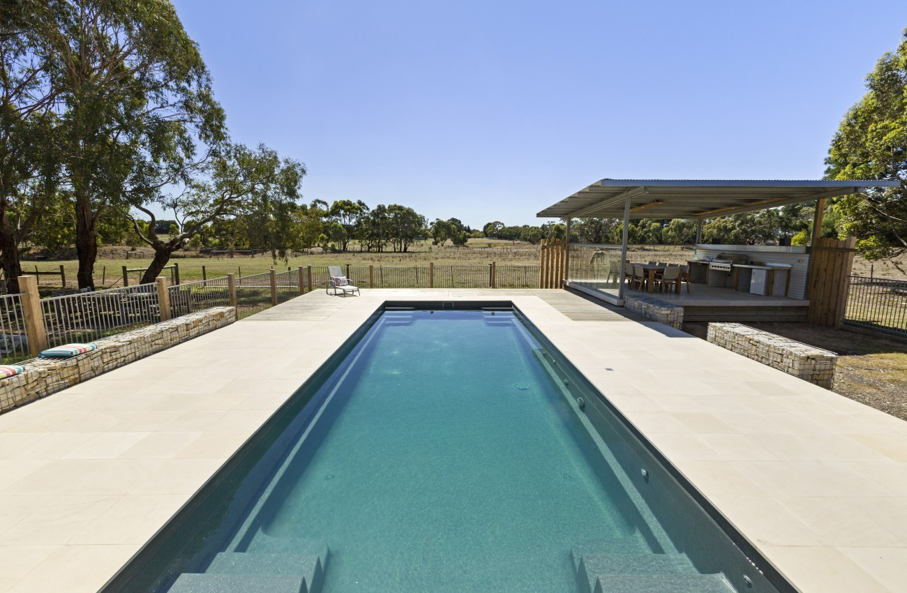 Swimming pool renovations sydney pool builders award for Local swimming pool companies